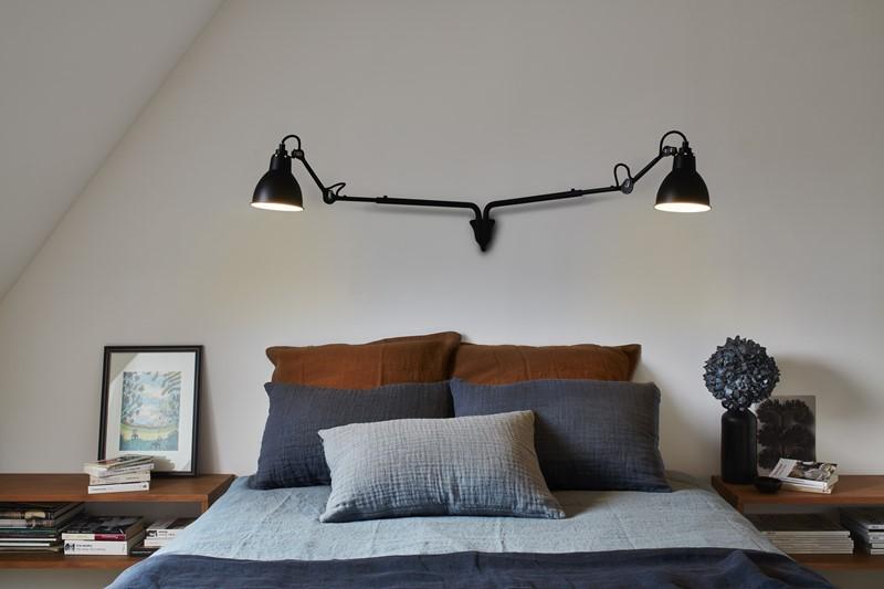 Smart Dobbellampe til å ha bak sengen