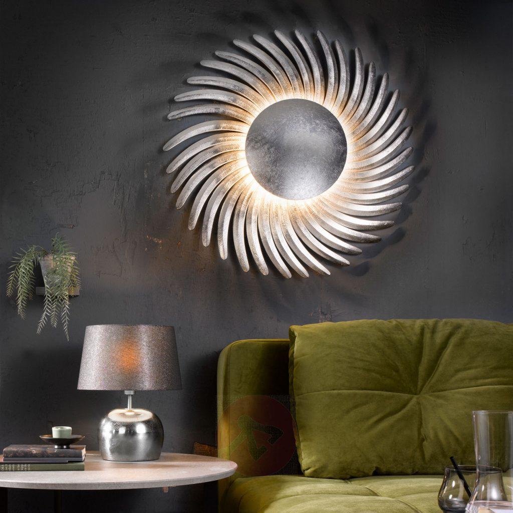Picture of: Store Vaeglamper Med Dekorative Former Og Smukke Lysspil