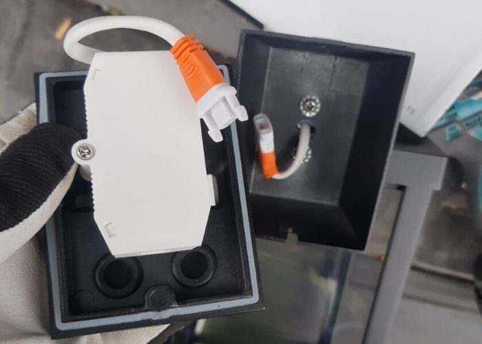 Montering Utendørs Vegglampe: Arendal Vegglampe med sensorpære